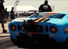 世界上最快的一英里福特GT在德克萨斯英里赛上时速达293.6英里