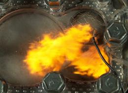 看穿引擎—4K慢镜头可见燃烧过程