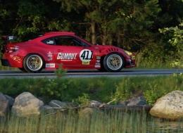 日常驾驶由法拉利引擎驱动的丰田GT4586