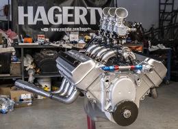 翻新的克莱斯勒HEMI FirePower引擎延时摄影