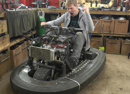 将600cc 100马力的引擎装到一辆碰碰车里