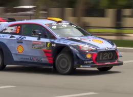 在悉尼驾驶现代i20 WRC赛车